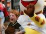 Bilder von Kindern mit Raffini Maskottchen Walk Act, Kinderfest Hauptbahnhof Mannheim 2014