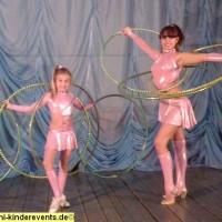 kinderzirkus-akrobaten-magier-2-jpg