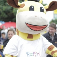raffini-kinderevents-maskottchen-walk-act-15