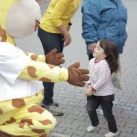 raffini-kinderevents-maskottchen-walk-act-2