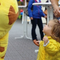 raffini-kinderevents-maskottchen-walk-act-36