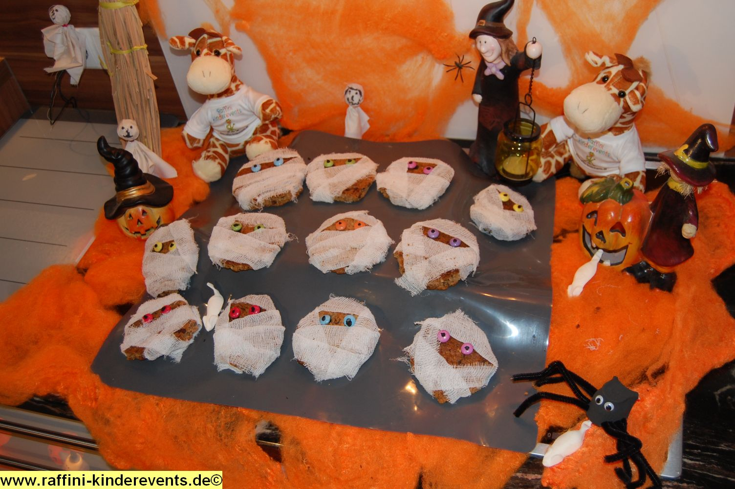 halloween party backen fuer kinder 62 raffini. Black Bedroom Furniture Sets. Home Design Ideas