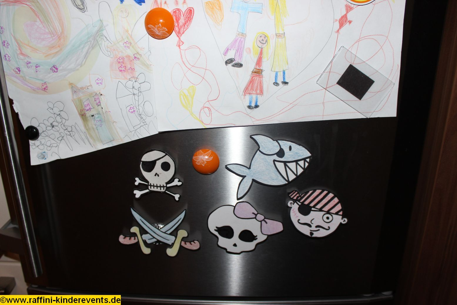 recycling basteln piratenparty kindergeburtstag 152 raffini kinderevents. Black Bedroom Furniture Sets. Home Design Ideas