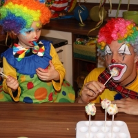 backen-mit-kindern-konfetti-cake-pops-fasching-party-17