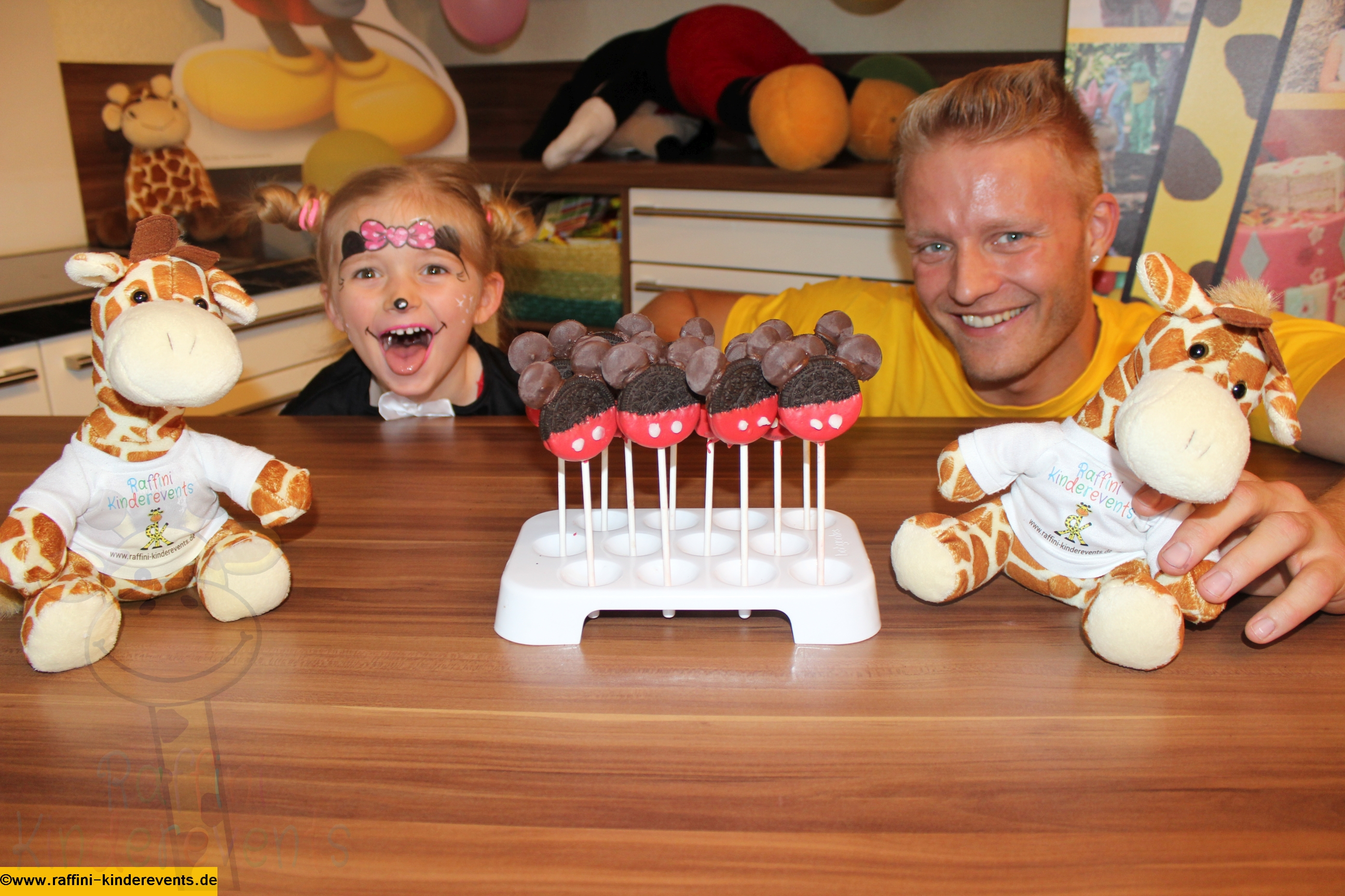 Backen fuer Kinder, Mickey Mouse Cakes (