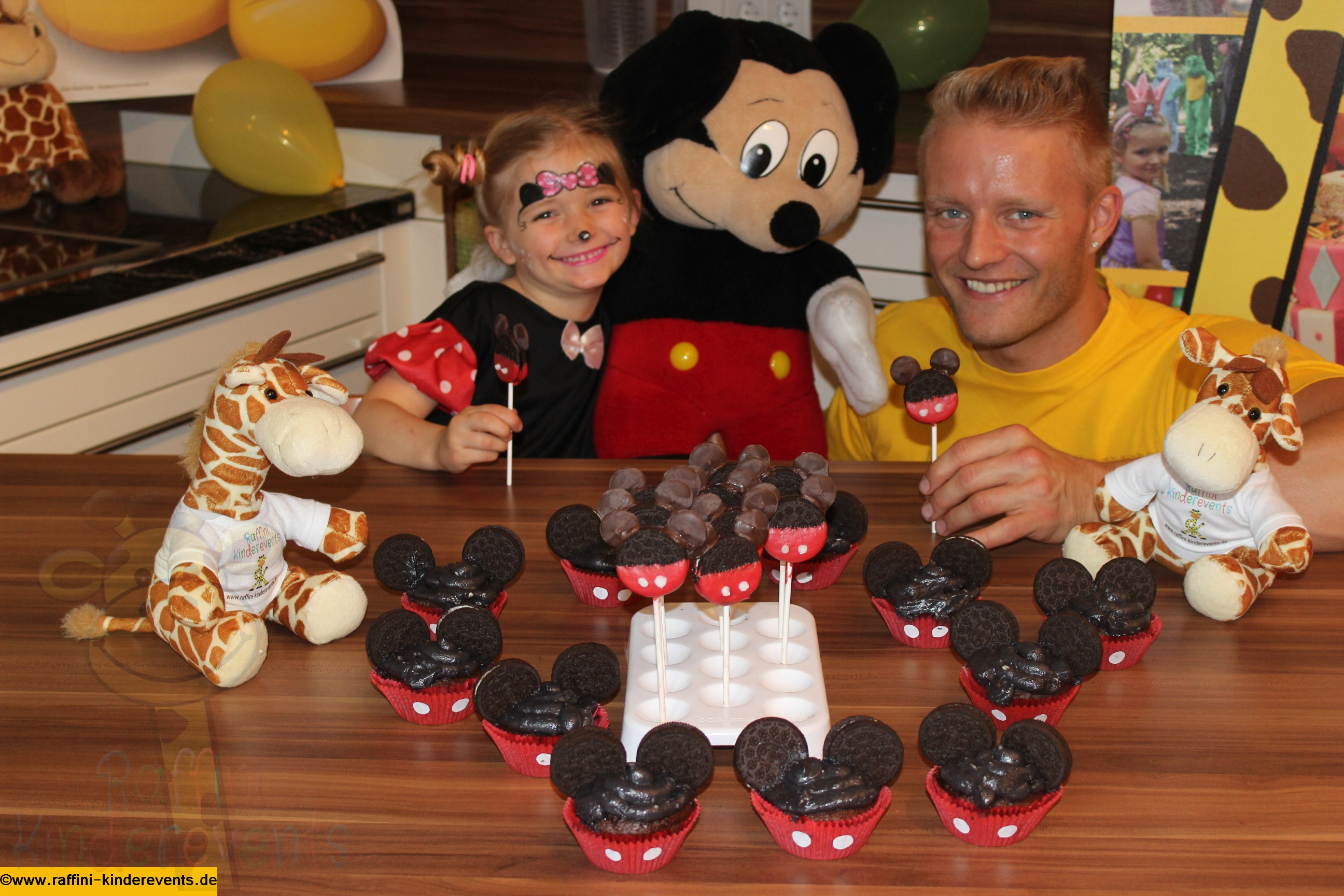 Mickey Mouse Muffins Cupcakes Fuer Kinderparty Rezept Und Video